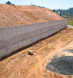 contenção em concreto armado